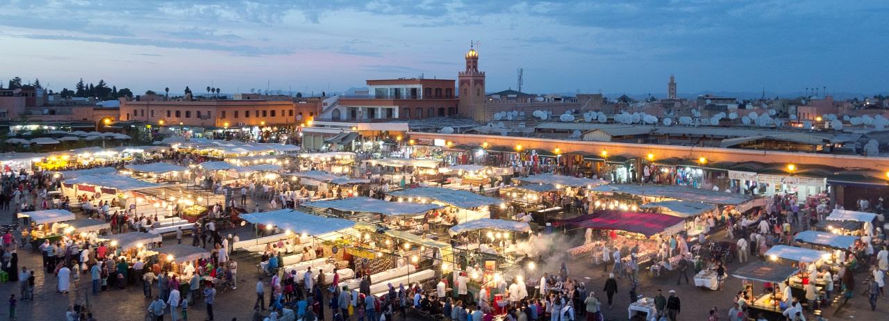 Djemaa_el_Fna_cherg_morocco